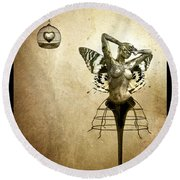 Scream Of A Butterfly Round Beach Towel