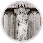 Sculpture Above North Entrance Of Westminster Abbey London Bw Round Beach Towel
