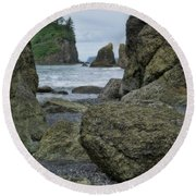 Sea Stacks And Boulders Washington State Round Beach Towel
