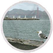 Seagull And Golden Gate Bridge Round Beach Towel