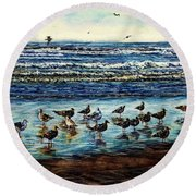 Seagull Get-together Round Beach Towel