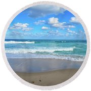 Seagull On The Atlantic Shore Round Beach Towel