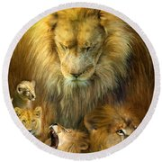 Seasons Of The Lion Round Beach Towel