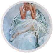 Seated Dancer Round Beach Towel