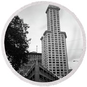 Seattle - Pioneer Square Tower Bw Round Beach Towel