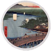 Senju No Oubashi Round Beach Towel