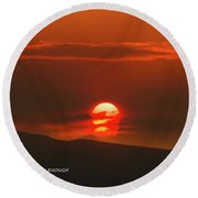 Setting Sun Over The Wenas Valley  Round Beach Towel