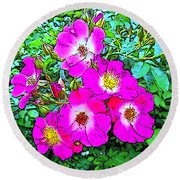 Seven Sisters Rose Variant Round Beach Towel
