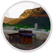 Shack In The Canyons Round Beach Towel