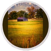 Shed In Sunlight Round Beach Towel