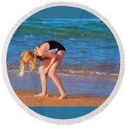 Shell Seeker Round Beach Towel