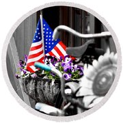 She's A Grand Old Flag Round Beach Towel