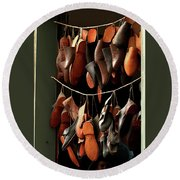 Shoemaker Shop In Colonial Williamsburg Round Beach Towel