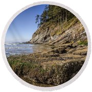 Short Sands Rocks Round Beach Towel
