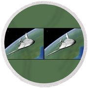 Shuttle X-2010 - Gently Cross Your Eyes And Focus On The Middle Image Round Beach Towel