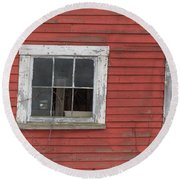 Side Of An Old Red Barn Quechee, Vermont Round Beach Towel