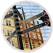Signpost In London Round Beach Towel