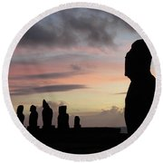 Silhouette Of The Moai Round Beach Towel