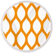 Simplified Latticework With Border In Tangerine Round Beach Towel
