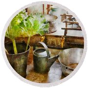 Sink - Eat Your Greens Round Beach Towel
