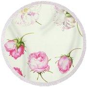 Six Heads Of Old Fashioned Roses Round Beach Towel