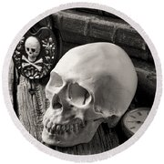 Skull And Skeleton Key Round Beach Towel by Garry Gay