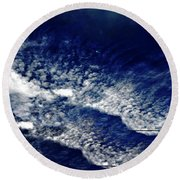 Sky Emulating The Sea Round Beach Towel