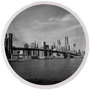 Skyline And The Brooklyn Bridge Round Beach Towel