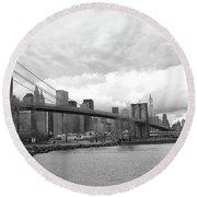 Skyline Nyc Brooklyn Bridge Bw Round Beach Towel