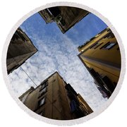 Skyward In Naples Italy - Spanish Quarters Take Three Round Beach Towel