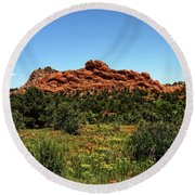 Sleeping Giant At The Garden Of The Gods Round Beach Towel