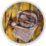 Small French Horn Round Beach Towel