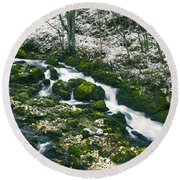 Small River In Forest In Winter Round Beach Towel
