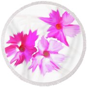 Smudged Floating Pink Flowers Round Beach Towel