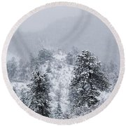 Snow On The Ridge In The Pike National Forest Round Beach Towel