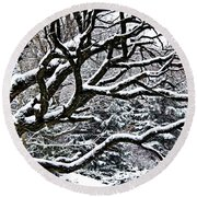 Snowfall And Tree Round Beach Towel