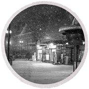 Snowfall In Harvard Square Cambridge Ma Kiosk Black And White Round Beach Towel