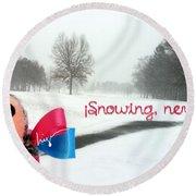 Snowing Nevando Round Beach Towel