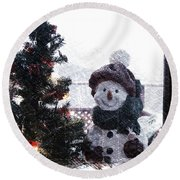 Snowman And Tree Pa Round Beach Towel
