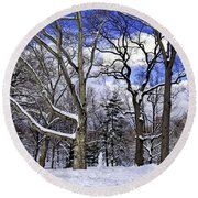 Snowman In Central Park Nyc Round Beach Towel