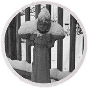 Snowy Statue Round Beach Towel
