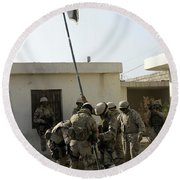 Soldiers From The Iraqi Special Forces Round Beach Towel