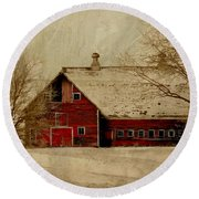 South Dakota Barn Round Beach Towel