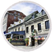 Souvenirs Montreal Round Beach Towel