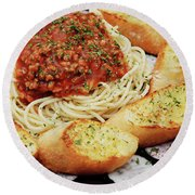 Spaghetti And Meat Sauce With Garlic Toast  Round Beach Towel
