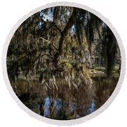 Spainsh Moss Hanging Over Pond On Middleton Place Round Beach Towel