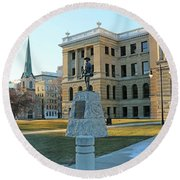 Spanish American War Memorial At Lucas County Courthouse 0098 Round Beach Towel
