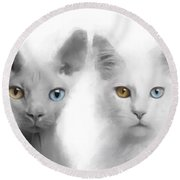 Sphynx And Main Coon Paint No 01 Round Beach Towel