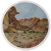 Spinx In The Valley Of Fire Round Beach Towel