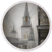 St. Louis Cathedral From Chartres St. - Nola Round Beach Towel